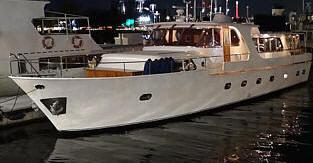hyra festbåt stockholm