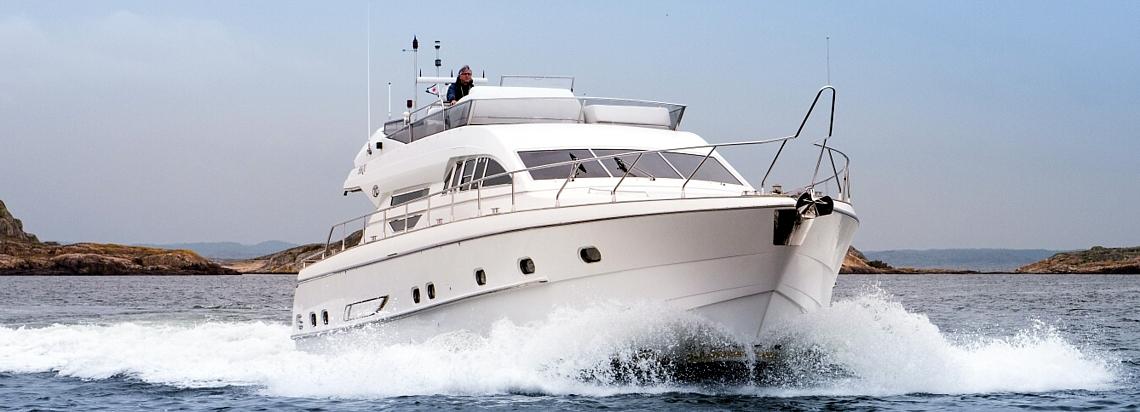 hyra båt stockholm